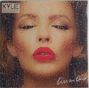 Изображение Kylie – Kiss Me Once